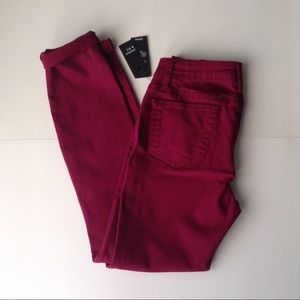 NWT Crown & Ivy Colored Skinny Jeans